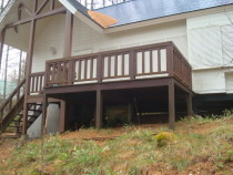 施工前  雨水(特に雪どけ水)にさらされた為に劣化してしまった木製ベランダ
