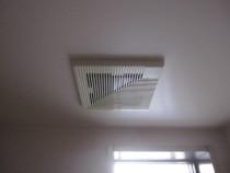 施工前  既存天井換気扇