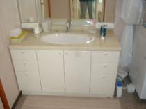 施工前  洗面カウンターの高さ75cmの洗面化粧台