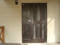 施工前  アルミ製玄関ドア(明かり窓付)