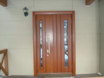 施工前  高断熱仕様玄関ドアへカバー工法にて交換 明かり窓は高断熱複層ガラス
