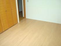 施工後  コンクリート直貼り用のペット対応防音フロアー貼り(フロアー裏に防音用クッション材付)