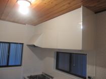 施工後  新規レンジフードと吊戸棚